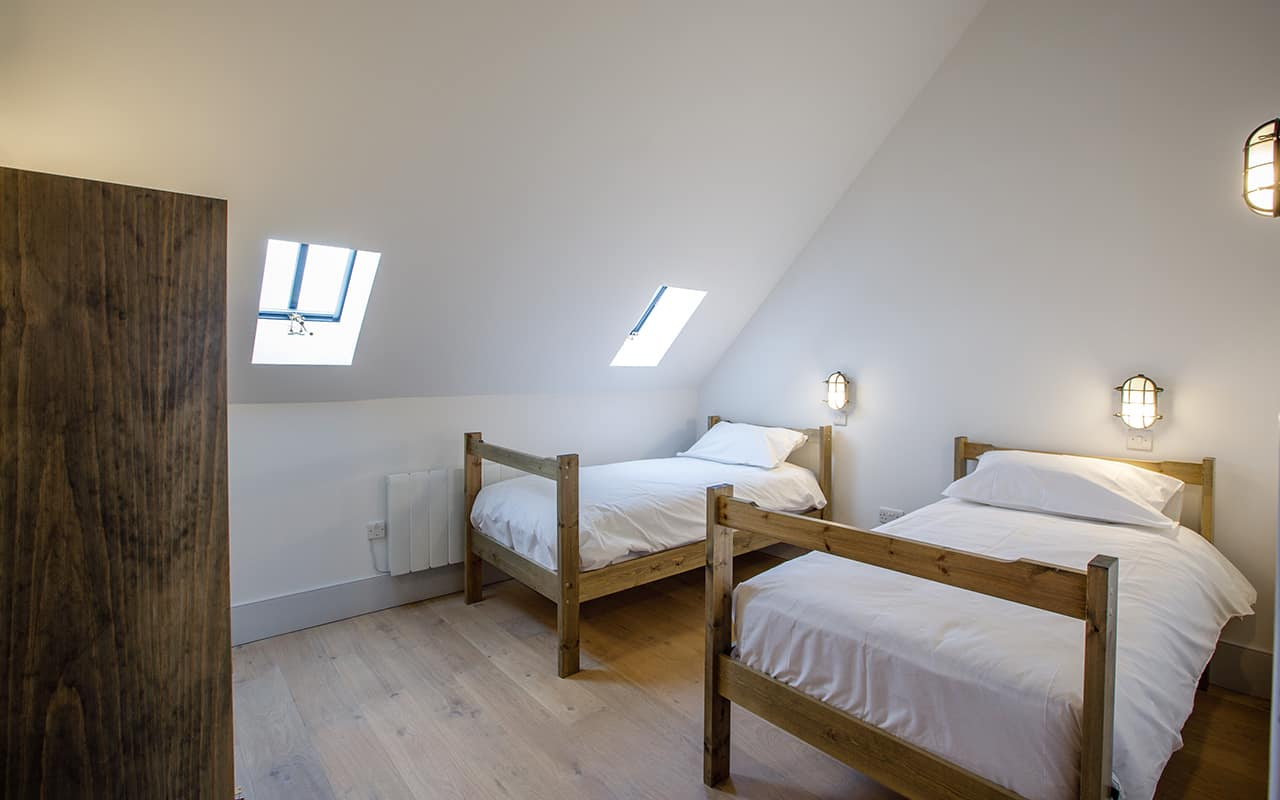 2 for 1 Promotion, 2 Bed Room